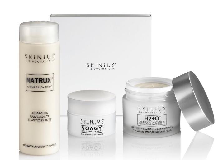 sélection de produits cosmétiques pour soins de corps et du visage comme une idee fete des meres