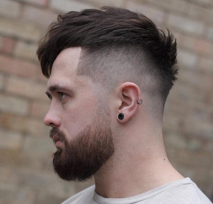 comment entretenir une barbe courte en dgrad sur les cots avec coiffure homme  mode.