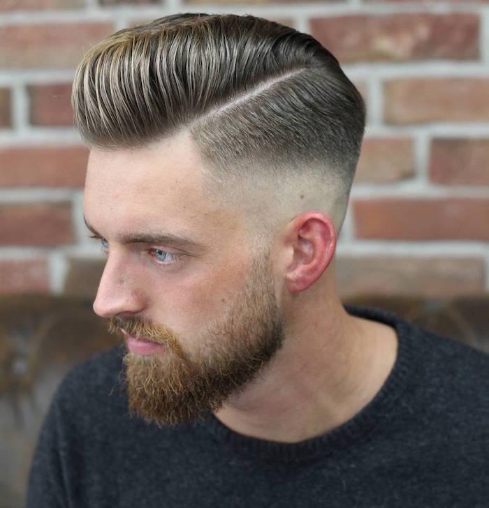 coupe barbe homme dégradé et coiffure pompadour mode avec cotés courts et fondu américain