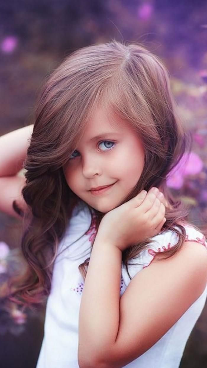 Coupes courtes cheveux fins coupe de cheveux carré dégradé avec frange cheveux longs coiffure bouclé enfant photo beauté