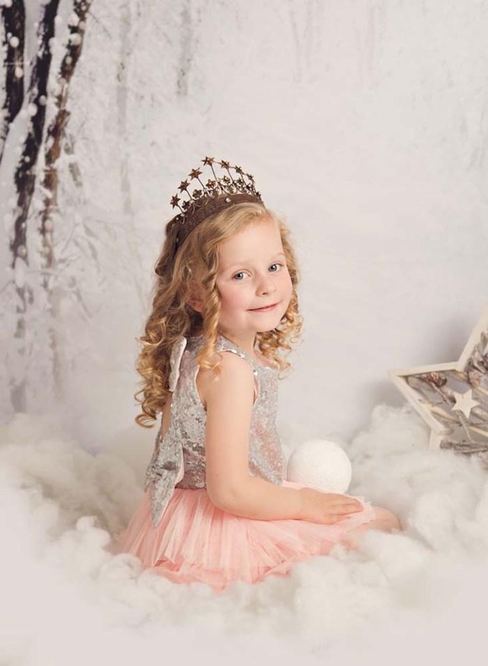 Coiffure facile pour petite fille coupe de cheveux petite fille simple coiffure bouclée princesse