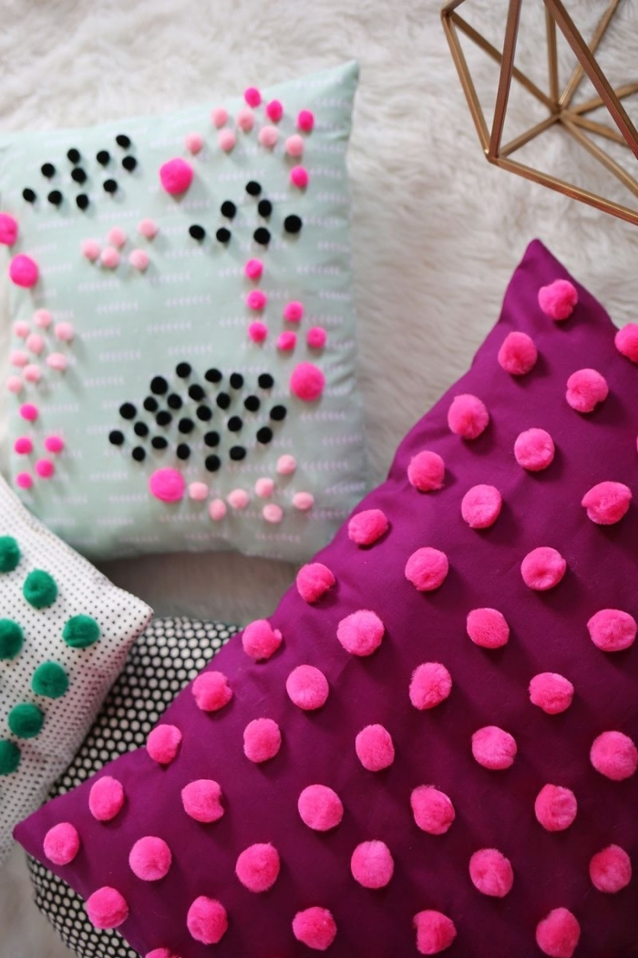 activité manuelle maternelle pour faire objets décoratifs en style chambre ado fille, modèles de coussins customisés