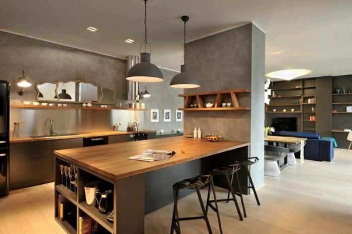 cuisine en bois et gris, comptoir en bois servant comme table, cuisine style industriel, revêtement mural béton
