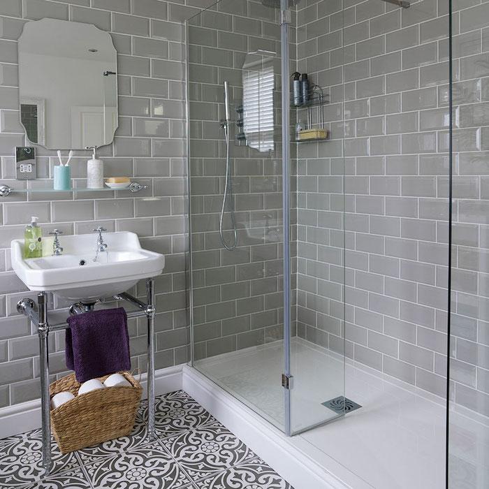 idée carrelage douche gris et deco de salle de bain carrelage décoré blanc et noir