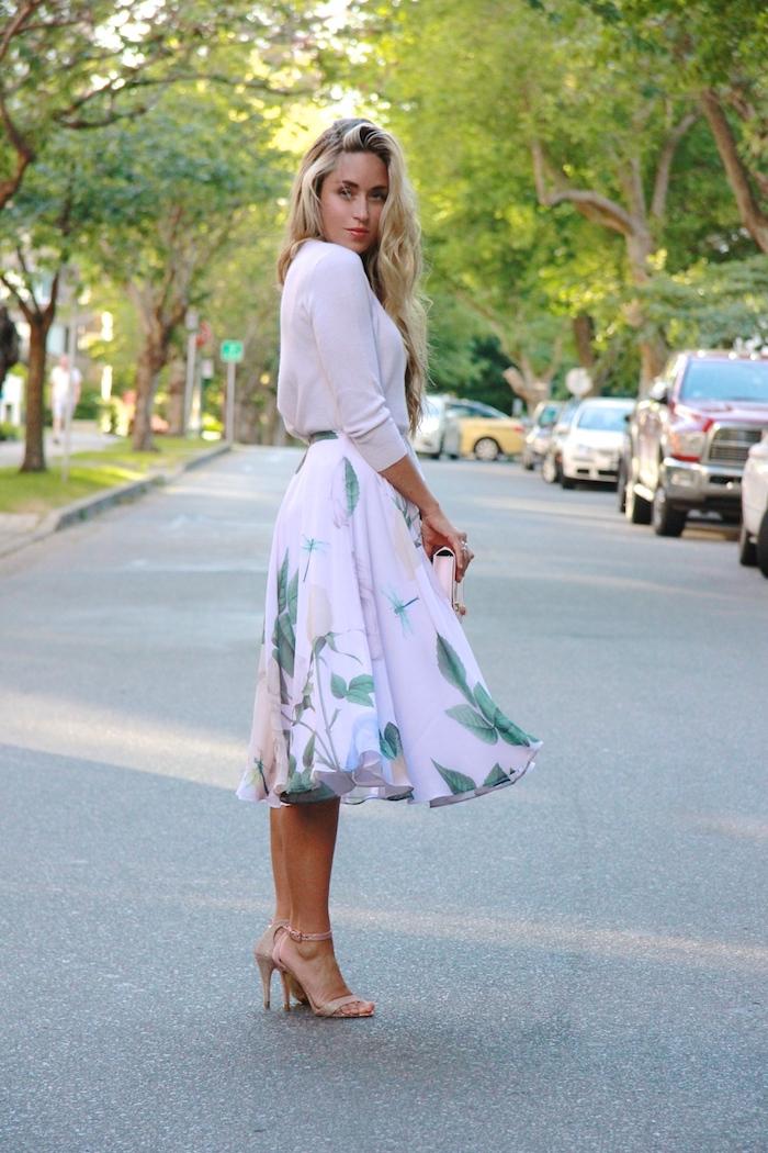 Robe de ceremonie robe de soirée chic adorable idée comment s habiller jupe mi-longue tenue vintage