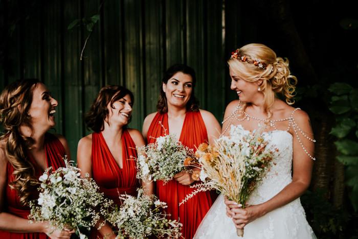 La robe de mariée les plus belles robes choisir une robe d apres son silhouette bustier accessoire d epaules