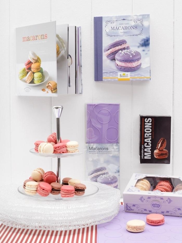 surprendre une femme avec une collection de livres de recettes et une boîte aux macaronis français ultra délicieux