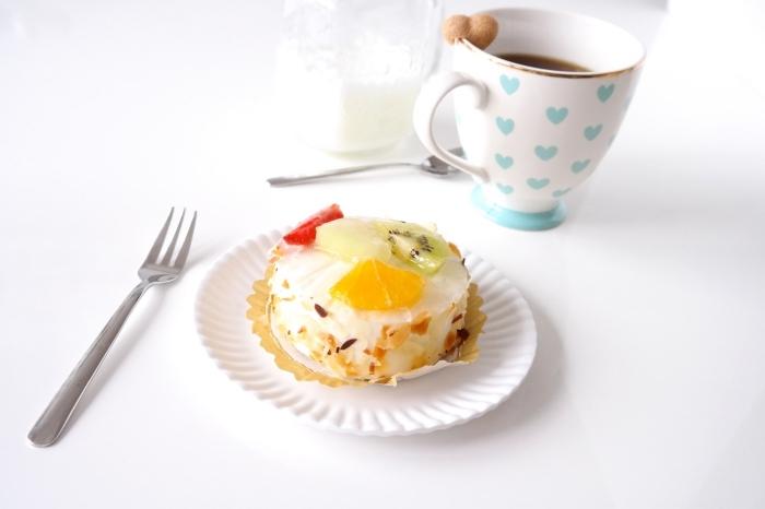 comment faire une surprise pour la fête des mères avec un petit déjeuner en tasse de thé et dessert léger aux fruits