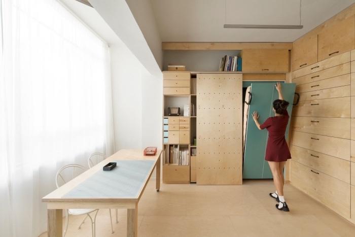 choisir des meubles escamotables pour réussir l'aménagement petit appartement, mobilier de bois à design multifonction