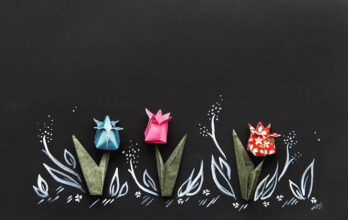 idée pour un petit bricolage printanier, comment faire une fleur en papier en forme de tulipe