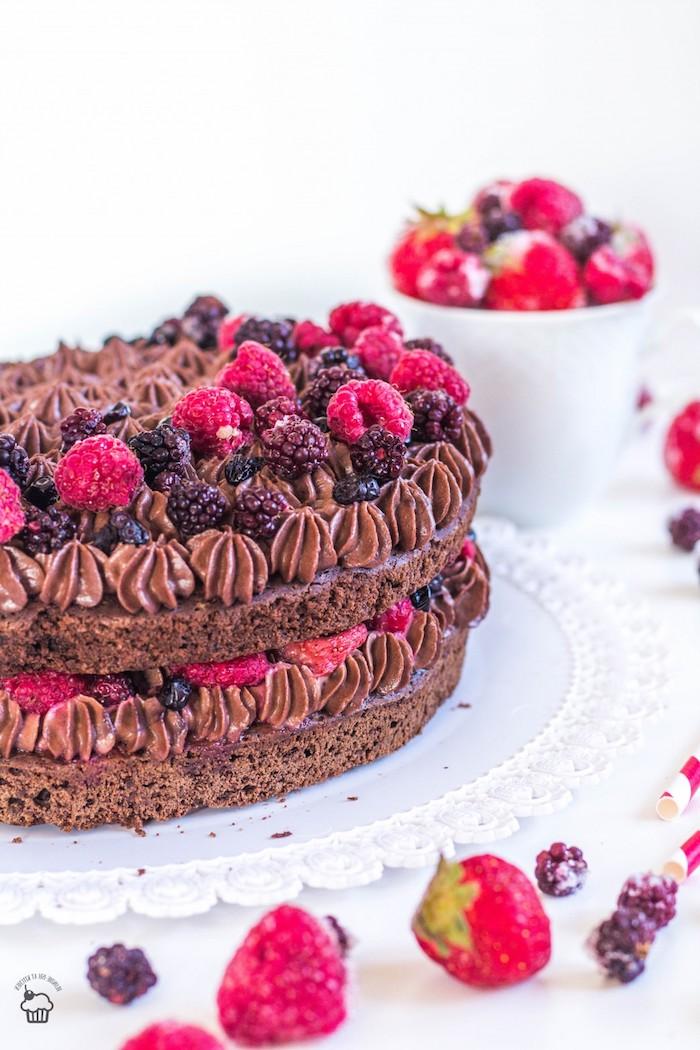 Gateau anniversaire adulte facile gateau au chocolat anniversaire facile framboises