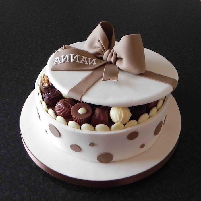 Magnifique gateau genoise chocolat gateau au chocolat original gâteau d'anniversaire à forme boite de chocolat