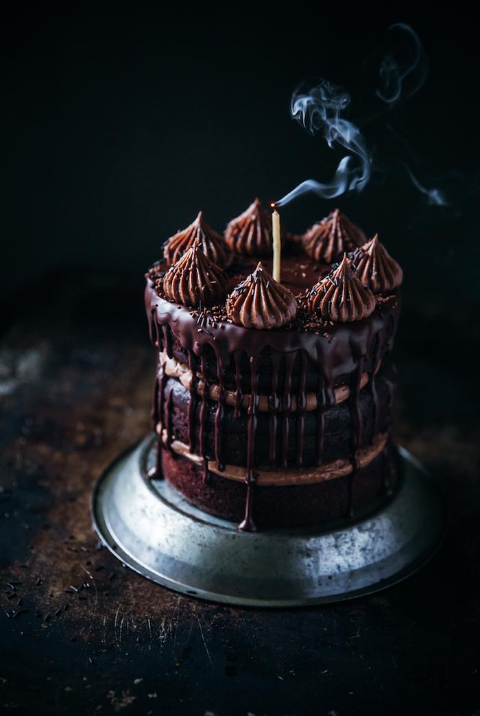 Cake moelleux au chocolat gateau d'anniversaire chocolat beau dessert chocolat noire