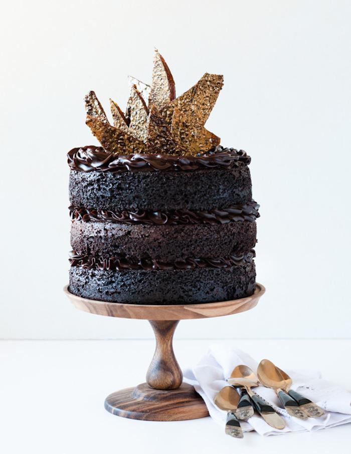 Gateau fourré recette de gateau au chocolat fondant anniversaire adulte chocolat noir 80% pour un gateau