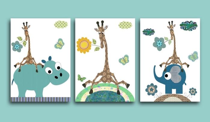 idée déco chambre bébé avec peinture murale de nuance vert turquoise et mur de cadres à dessins animaux avec giraffes