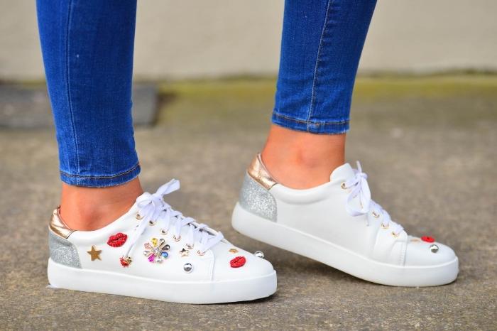 ... baskets femme avec embellissements Enfiler sa chaussure tendance  préférée pour marcher sous le soleil de la mode printemps-été 2018 ... 01226c4ba1ed