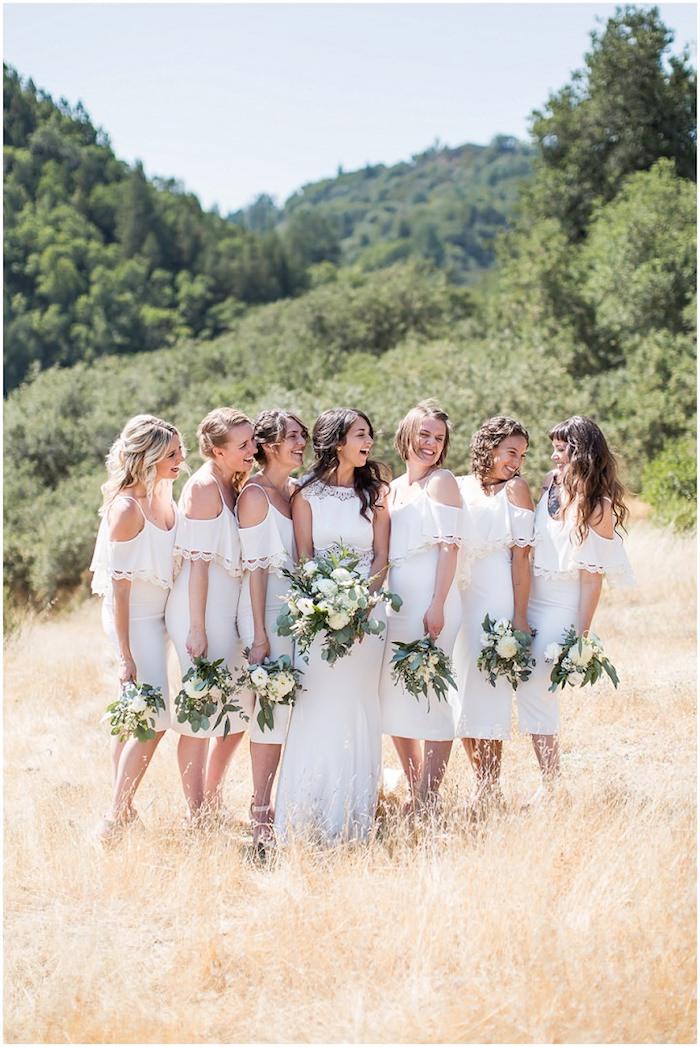 Robe de mariée courte 2018 robe mariee simple mariage originale chouette idée pour votre mariage photo demoiselles en blanche