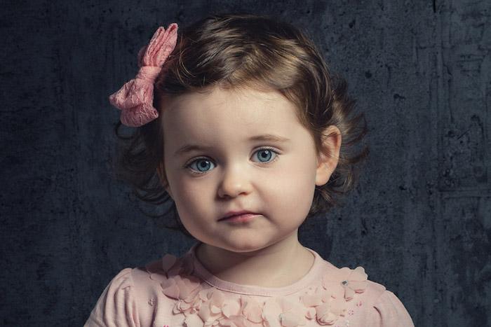 Idée coupe de cheveux petite fille 2 ans adorable photo coupe courte petite fille cheveux