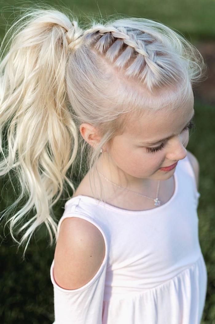 Coupe longue pour petite fille coupe de cheveux pour petite fille coiffer une fille tresse et queue de cheval coiffure fillette adorable