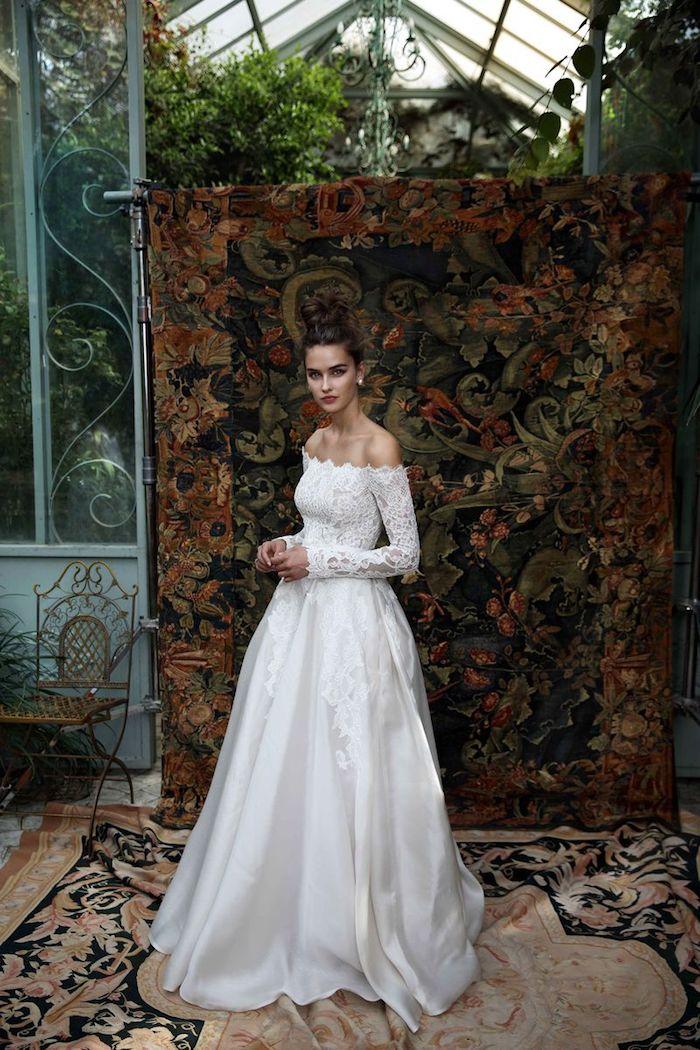 Robe de mariee hiver ou printemps robe de mariée romantique boheme chic épaules dénudées manche dentelle