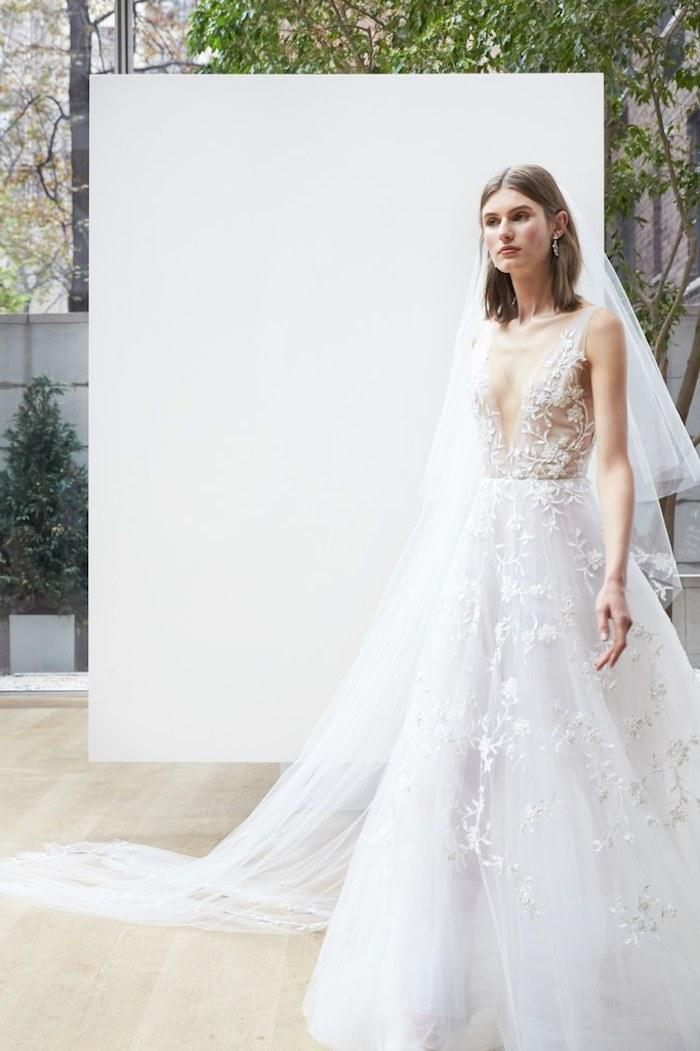 Chouette idée robe de mariée collection 2018 mariage chouette robe pour femme mariée grand décolletage en v décolleté plongeant