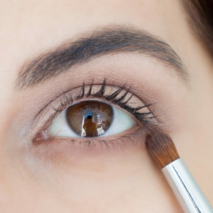 maquillage simple yeux marrons, réussir un look naturel, comment bien se maquiller