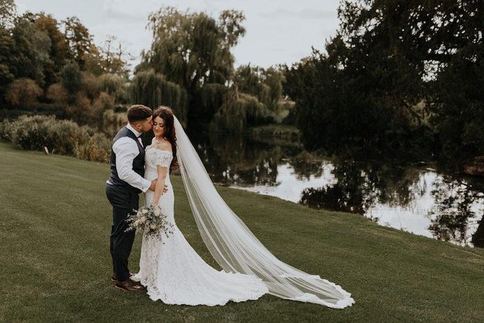 Élégante robe empire mariage robe de mariée 2018 boheme choisir la plus belle robe epaules denudees