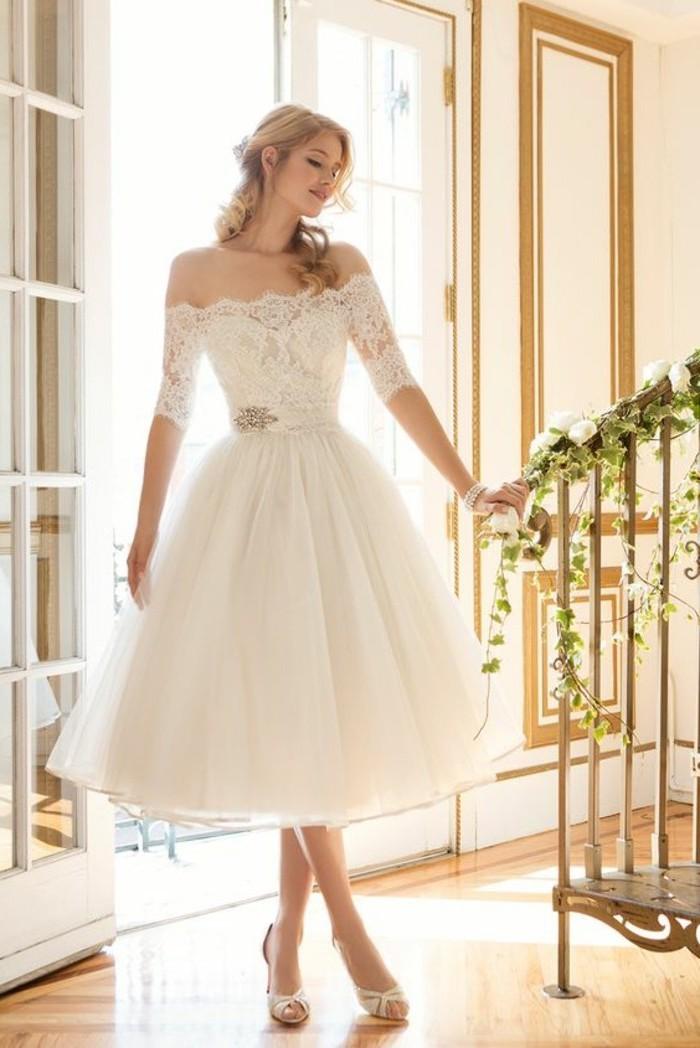Vintage robe de mariée champetre mi longue la robe rétro mi longue de mariage elegante idée tenue épaules dénudées robe de mariee avec manche en dentelle
