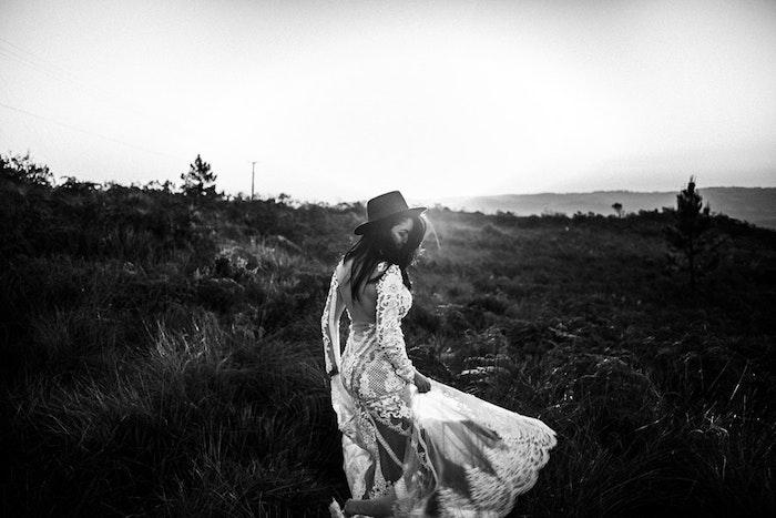 La robe longue boheme robe longue fleurie robe ete blanche tenue tout blanche idée robe de mariée champetre