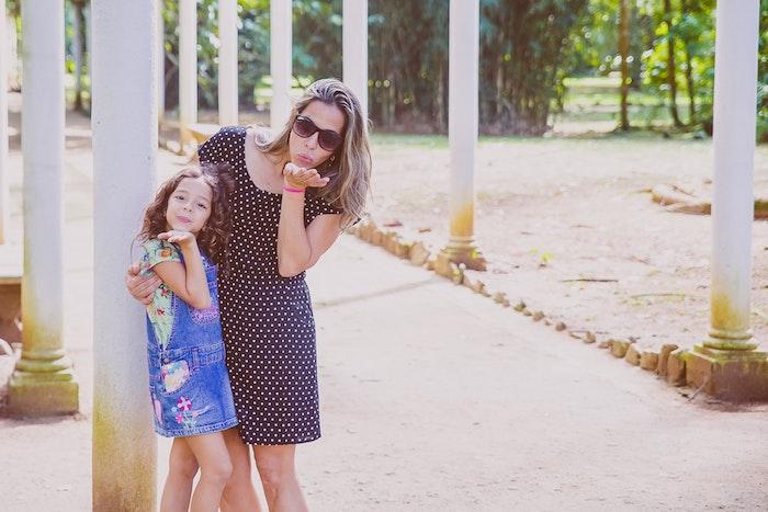 Coupe de cheveux petite fille 6 ans coupe de cheveux enfant fille idée mer et fille mignonne photo