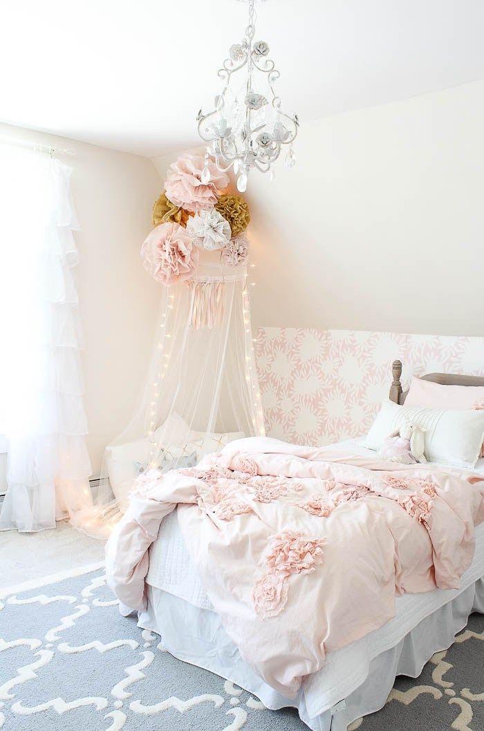 deco chambre princesse pour enfant fille avec décoration de fleurs