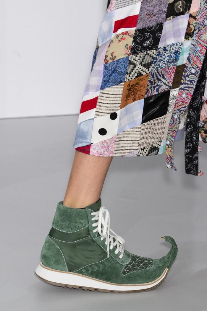 modèle de chaussure tendance printemps été 2018 de la collection Loewe, exemple de chaussures sportives vertes