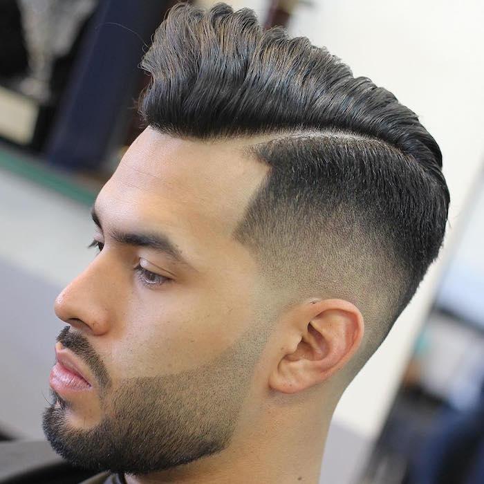 tailler barbe longue courte avec dégradé progressif et contours au rasoir et coiffure homme mode