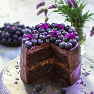 Le gâteau d'anniversaire au chocolat - les meilleures idées!