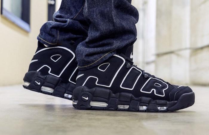 chaussures basket rétro nike air more uptempo style 1996 réédition noir blanc