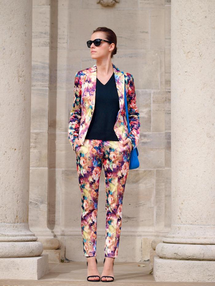 Une tenue femme bapteme combinaison soirée tenue de bâpteme chic tailleur fleur motif