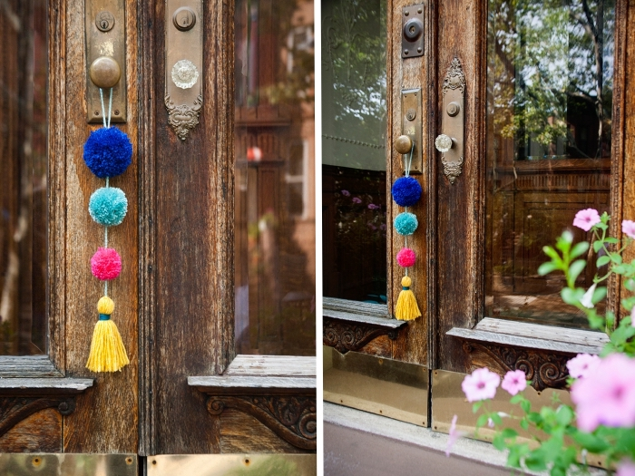 petit objet pendentif diy fait de pompons et tassel, accessoire multicolore avec boules et gland de laine colorée