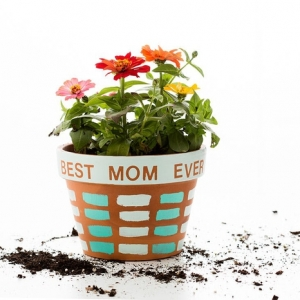 Bricolage fête des mères pour tous les âges : les cadeaux DIY qui feront son bonheur