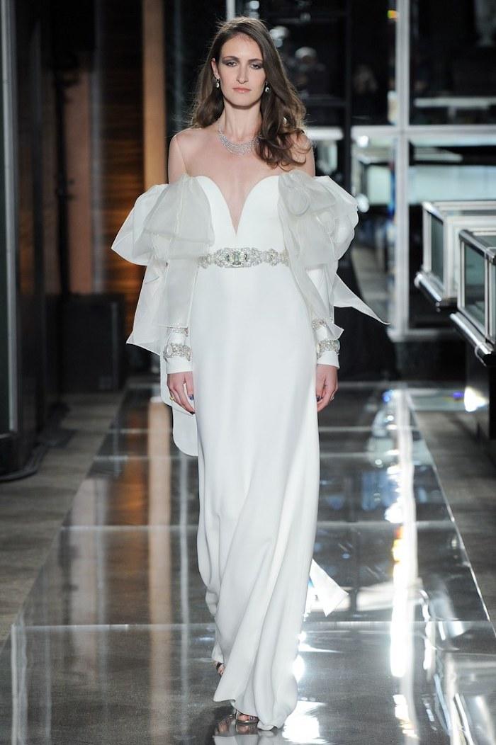 Robe de marie simple bohème tendance de cette année robe de mariée manche extreme tendance 2018