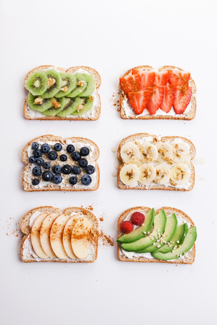 6 façons de manger des tartines pour un petit-déjeuner sain qui nous fait manger des fruits