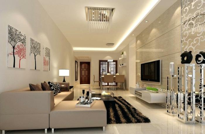 deco salle a manger salon, canapé contemporain, tapis rayé moelleux, murs en beige et blanc, intérieur espace ouvert