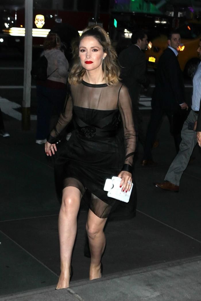 robe de bal pas cher, robe en tulle noire, modèle court, pochette blanche