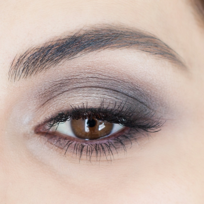 smokey eye simple yeux marrons, se maquiller comme un chef, les astuces maquillage