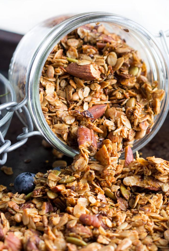 idée recette santé de granola fait maison pour un petit déjeuner équilibré