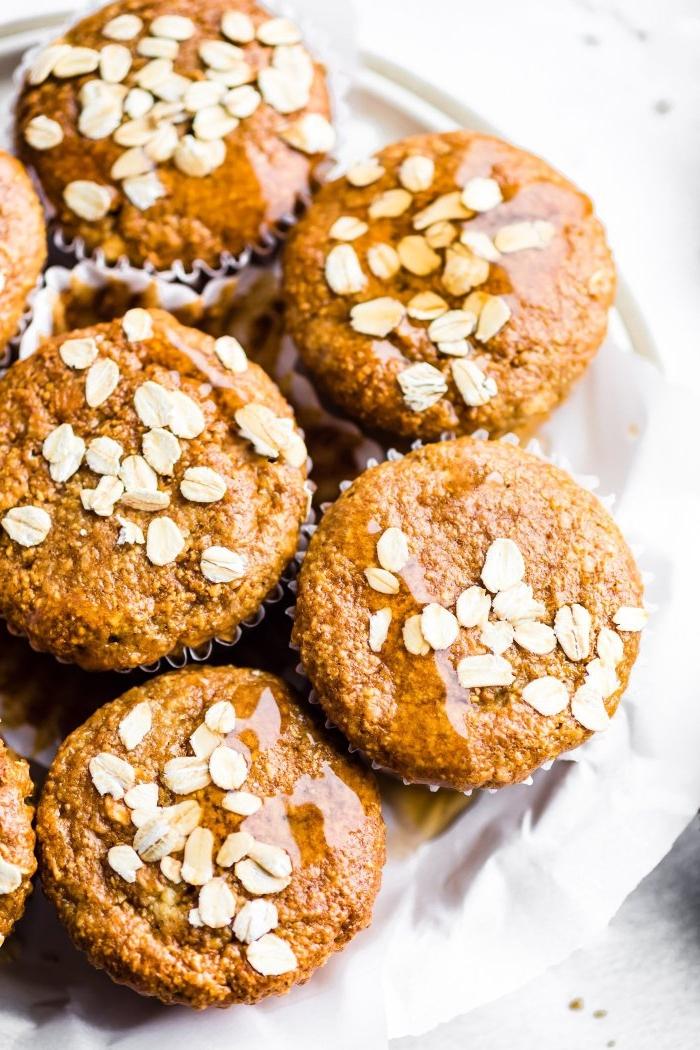 recette facile de muffins sans farine aux flocons d'avoine et à la ricotta pour un petit déjeuner sain sans gluten