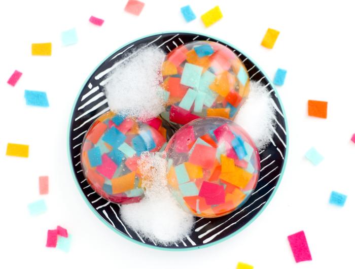 comment fabriquer des savons naturels de fantaisie à confettis en feutrine, idée cadeau fête des mères