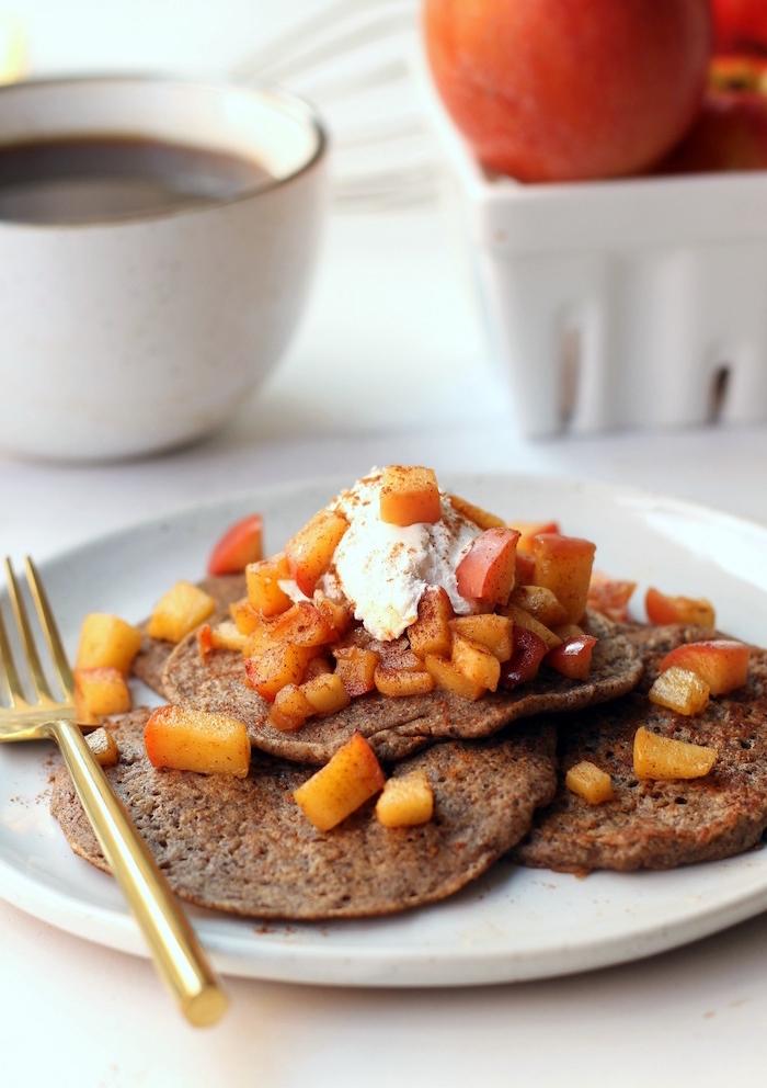 des crêpes au sarrasin et cidre parfaites pour un petit déjeuner régime minceur et vegan