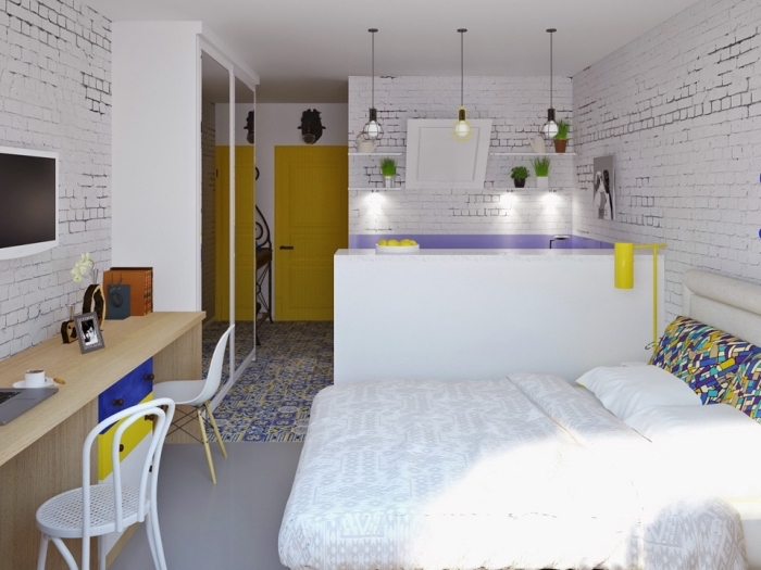 intérieur contemporain dans un petit appartement étudiant aux murs blancs avec carrelage de sol en violet et jaune