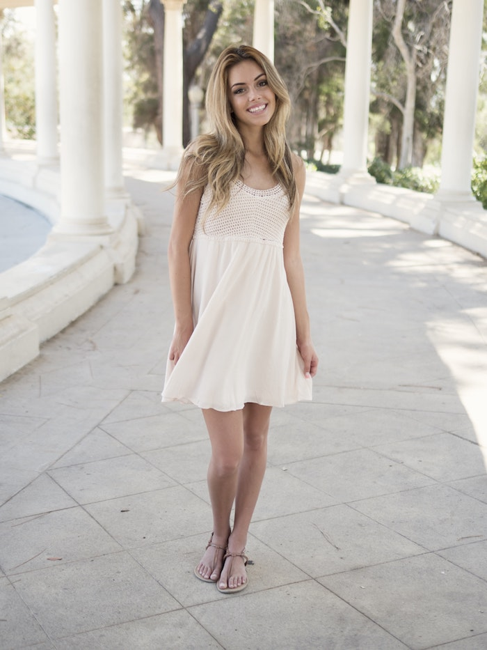 bb279ea7c9a Quelle robe longue boheme blanche choisir une robe blanche boheme chic idée  La robe bohème blanche – des astuces pour adopter la tendance top de cette  été ...