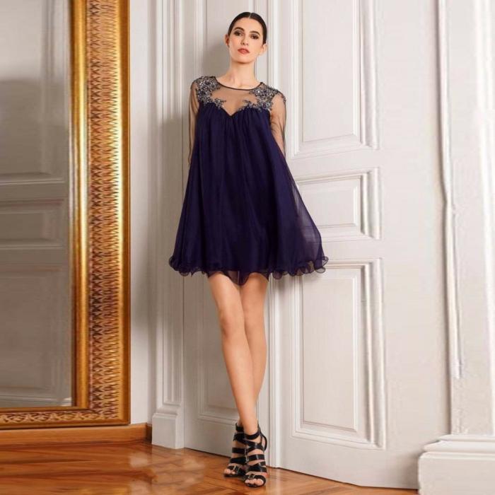 robe de cocktail pour mariage, robe bleue, sandales noires, robe corolle silhouette A